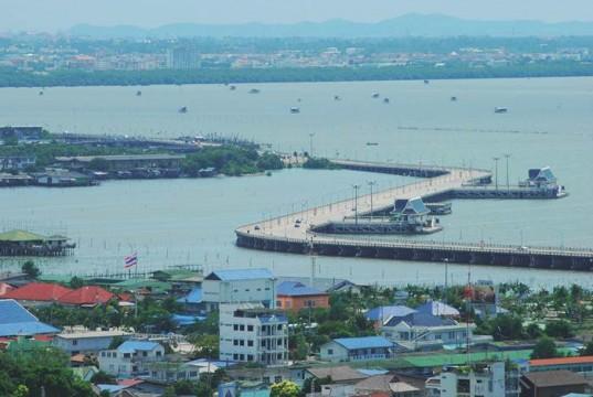 10 สุดยอดที่เที่ยวในชลบุรี-สะพานชลมารควิถี 85 พรรษา
